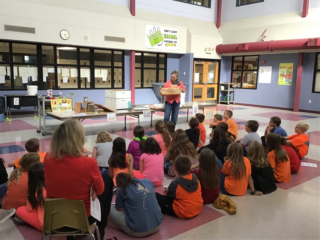 4th Graders learn about honeybees.